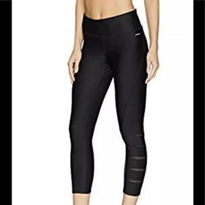 Jockey Women's Slit Cutout Capri Legging M
